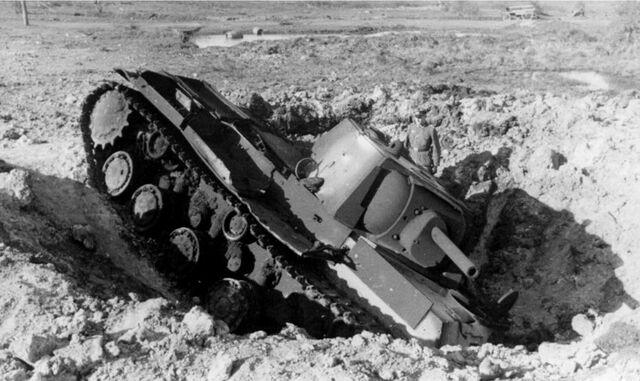 File:KV-1, Barbarossa 1941.jpg