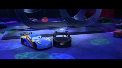 Disney Pixar España Escena Cars 2 Fernando Alonso y Lewis Hamilton conocen a Rayo McQueen