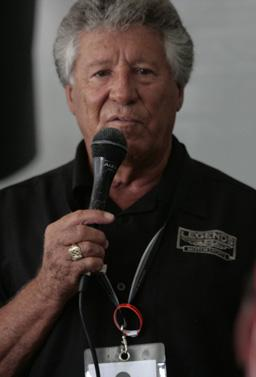 Mario Andretti speaking at the Barber Legends of Motorsport 2010 crop