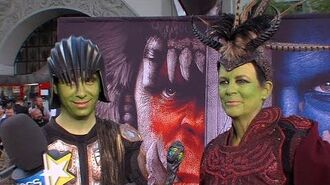 Jamie Lee Curtis & Son Attend 'Warcraft' Premiere In Cosplay