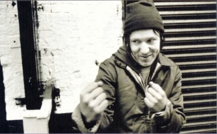 File:Elliott Smith 200301 XRock 03.jpg