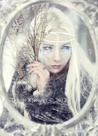 File:Queen of frost by leafbreeze7-d5mhsfz.jpg