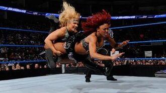 SmackDown- Alicia Fox vs