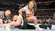 Mickie James against Trish Stratus