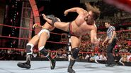 Cesaro get kicked by Rusev
