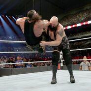 Big Show chokeslam Braun