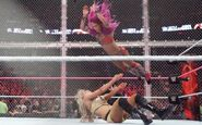 Sasha-splashes-Charlotte--Hell-in-a-Cell