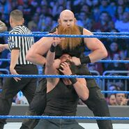 Erick crushing Luke-Harper