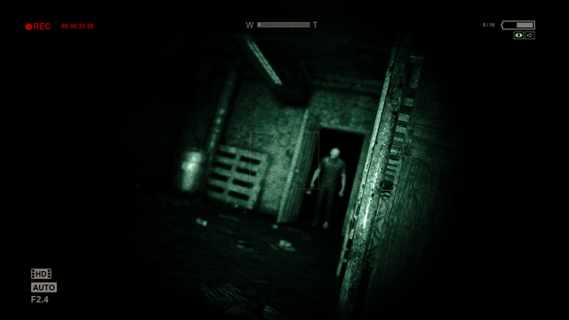 File:Outlast.png