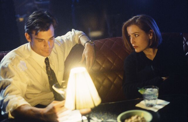 File:Never Again Edward Jerse Dana Scully Bar.jpg