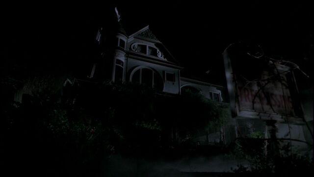 File:HauntedHouseOnChristmas.jpg