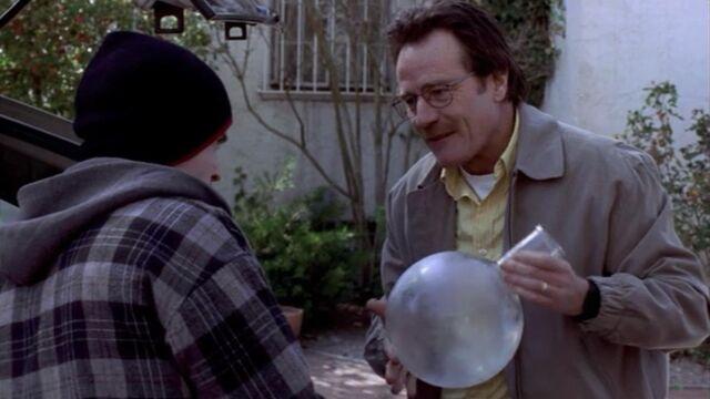 File:Jesse and Walt while Walt mentions Erlenmeyer Flask.jpg
