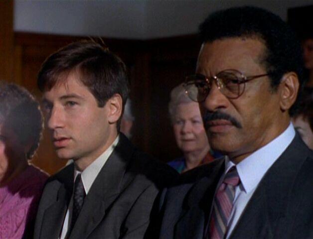 File:Reggie Purdue and Fox Mulder.jpg
