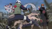 Kakashi atravesado por Pain