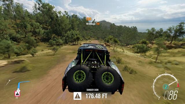 File:Forza-Horizon-3-E3-2016-Screenshots-Danger-Sign.jpg