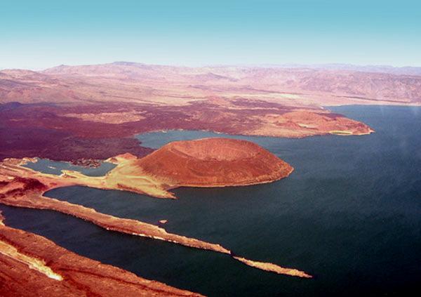 File:Laketurkana1.jpg