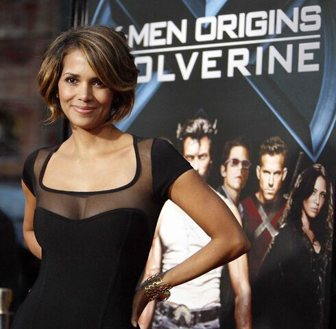 File:Halle berry x-men origins wolverine movie premiere.jpg