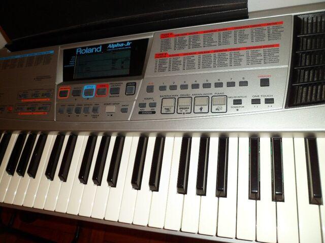 File:Baixei-teclado-roland-alpha-jr-perfeito MLB-F-3305355378 102012.jpg