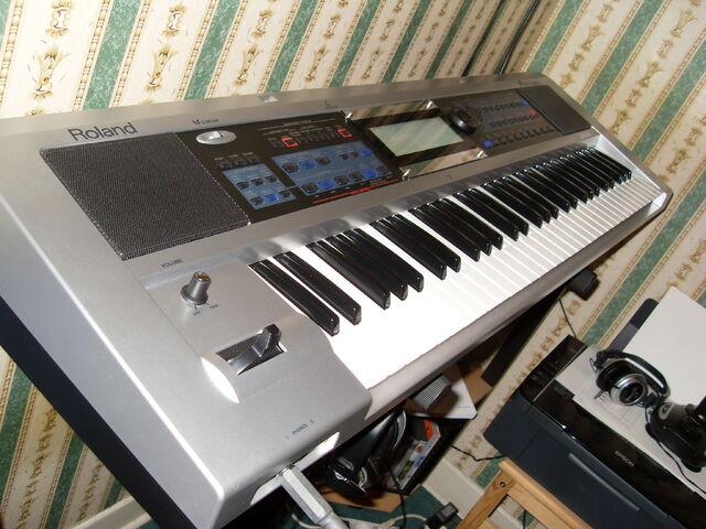 File:Roland-prelude-e-v2-422977.jpg