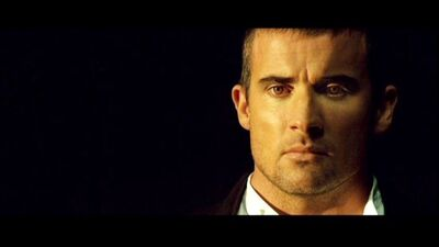 004BTY Dominic Purcell 022