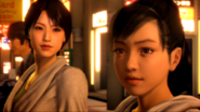 Park notices Haruka stare the mother and daughter holding hands