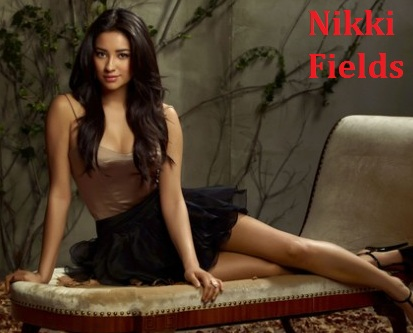 File:Pll nikki fields (emily).jpg