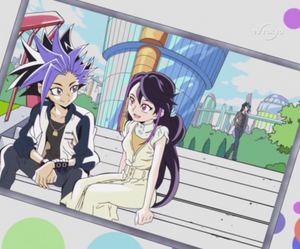 Ute and Ruri behind the Duel School With Shun
