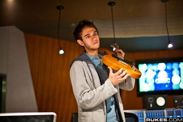 File:Zedd at Interscope Studio (9).jpg