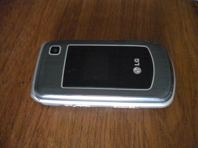 檔案:LG手機.JPG