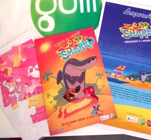 File:Grande Exposition Zig & Sharko Merchandise.jpg